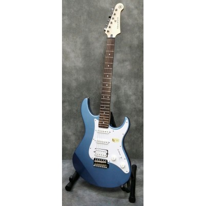 john douglas music online shop guitars electric guitars yamaha pacifica 112j electric. Black Bedroom Furniture Sets. Home Design Ideas